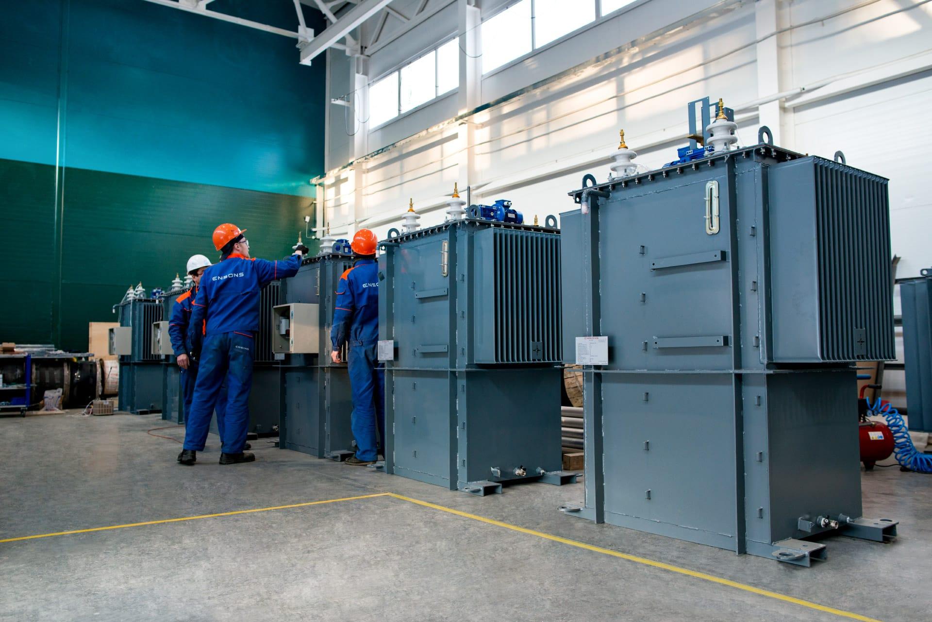 Ensons - Баки реакторов РЗДПОМ в цеху