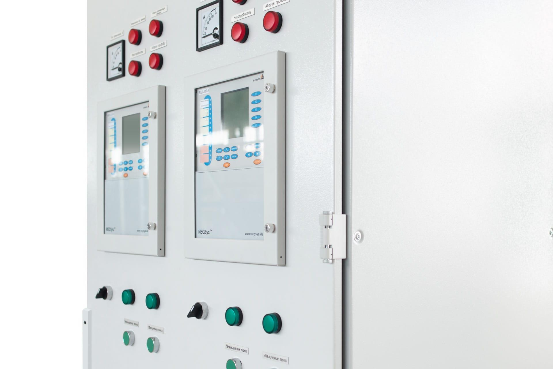 Ensons - Установленный модуль REG-DPA в панель шкафа управления ЭНСОНС