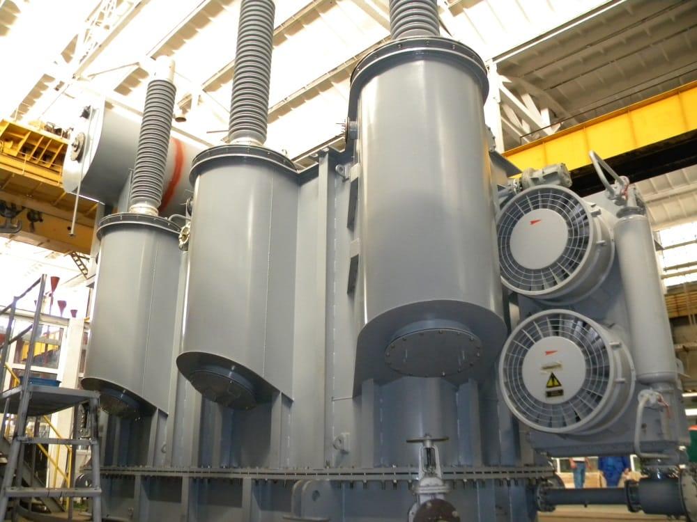 Ensons - Масляный трансформатор ТРДЦН 220 кВ в цеху